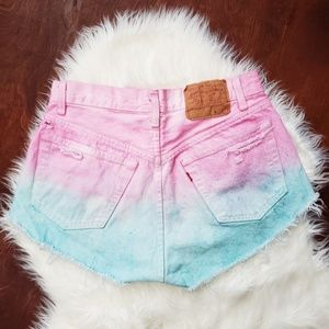 🦄 LEVI Ombre tie dye High waisted denim shorts